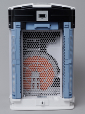 水色のストリーマユニットから発生した高速分子を、本体奥の加湿フィルターにも照射することで、強力に除菌を行う